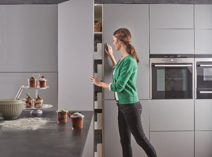 Push-to-Open, Handleless Kitchens